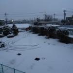 新入生を迎えるために雪かきをしました
